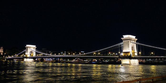 Széchenyi Köprüsü