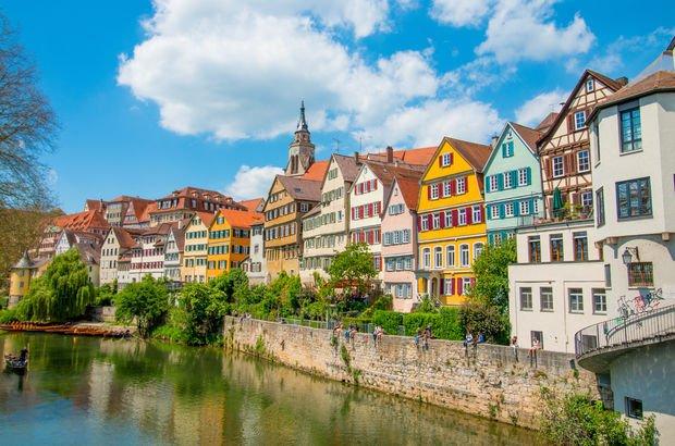 Baden-Württemberg eyaletinin başkenti ve en büyük belediyesi Stuttgart